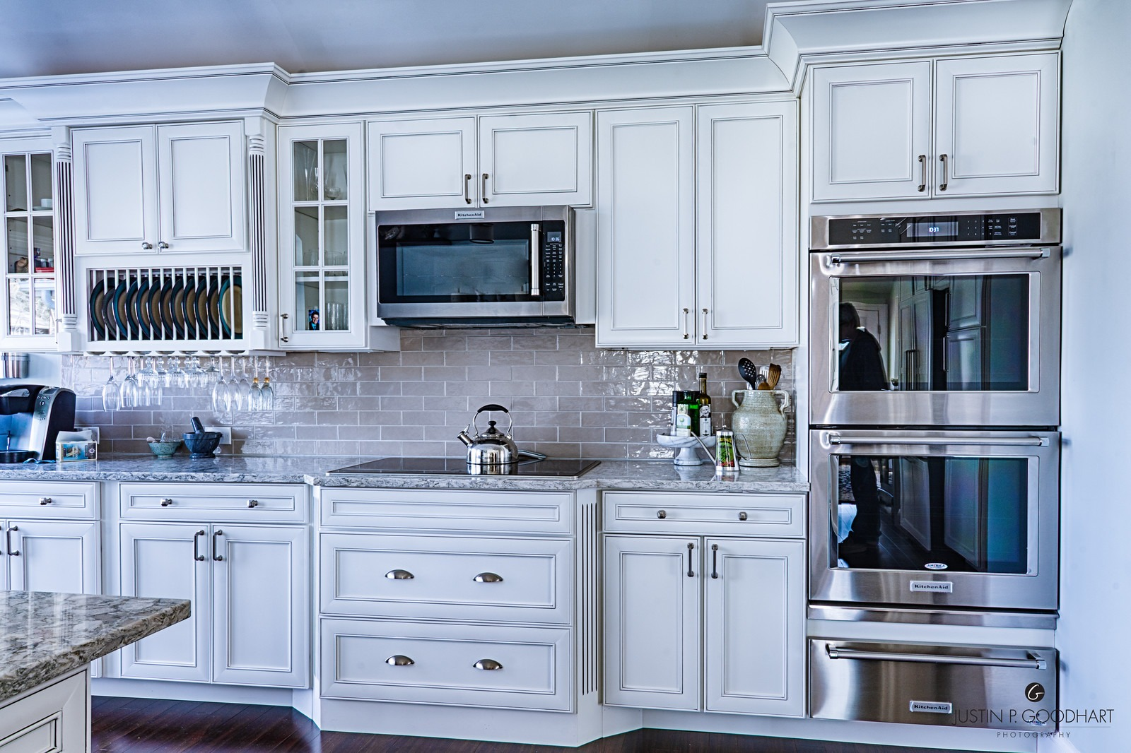 Kitchen Cabinets: Reface or Replace? - Custom Closets and ...